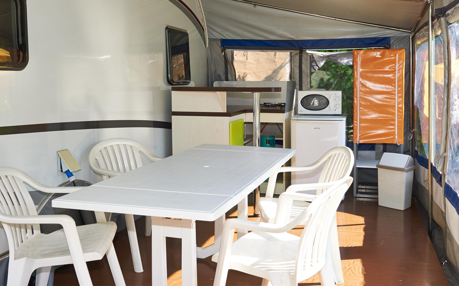 Outdoorküche Mit Spüle Reinigen : Wohnwagen outdoor küche. wasserhahn franke küche deckenregal