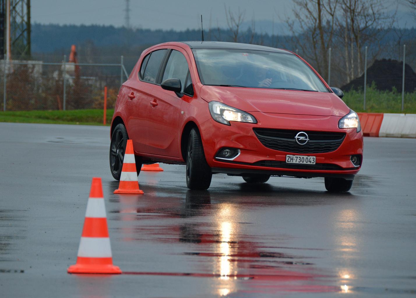 Camera Car Auto Da Corsa : Opel corsa tcs schweiz